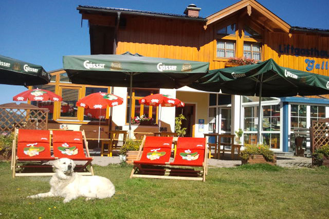 Das Gasthaus Galler im Sommer